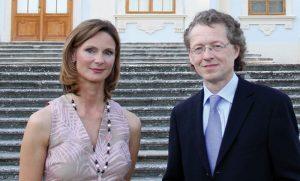 Präsidentin Philippa Königsegg-Aulendorf und künstlerischer Leiter Robert Lehrbaumer