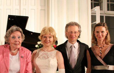Marietheres Waldbott-Bassenheim, KS Ildiko Raimondi, Robert Lehrbaumer und Philippa Königsegg-Aulendorf